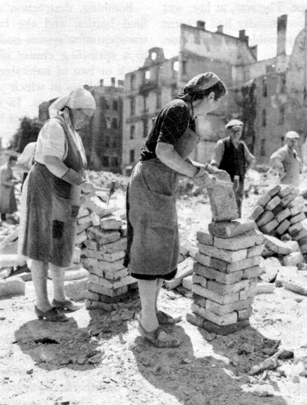 feminism after wwii Why did second-wave feminism emerge in the postwar if you look at this feminist timeline-nothing happened after women were tossed out of the ww2 factories why did second-wave feminism emerge in the postwar(ww2) did second wave feminism fail women.