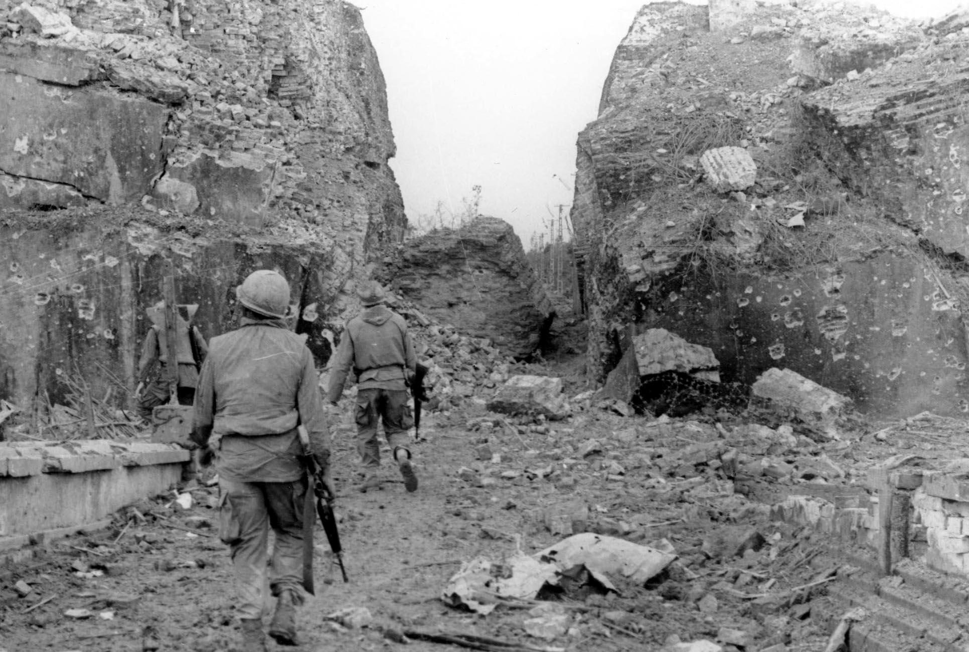 history of tet offensive On january 30, 1968, north vietnamese and viet cong troops launched the tet  offensive against south vietnamese and united states targets.