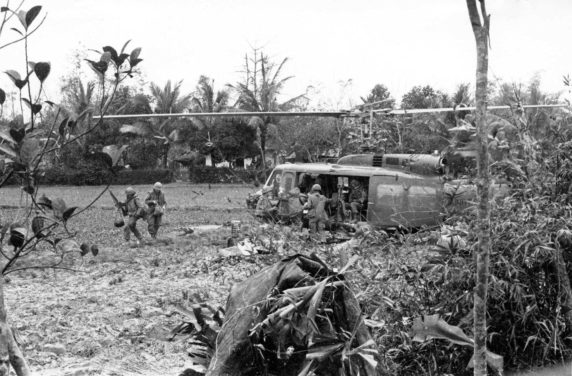 tet offensive Although the tet offensive was considered a military failure for the communists   operator during the war, and explains his experiences during the tet offensive.