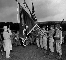 President Truman decorates the 442d Colors